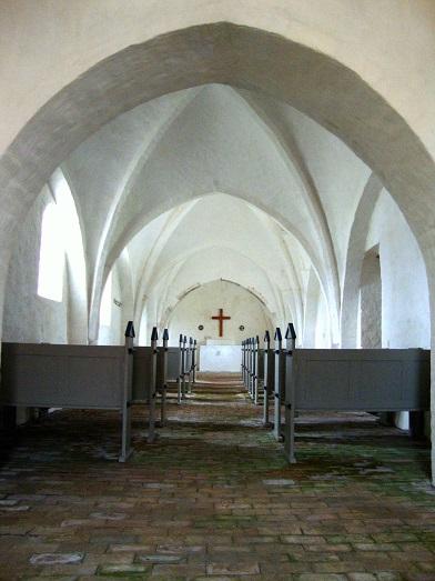 Aunsø gamle Kirke set fra tårnrummet som kirken fremtræder i dag