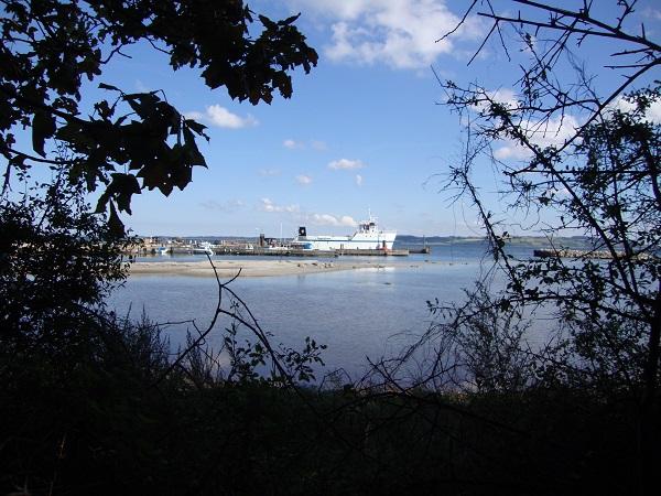 Udsigt til Nekselø Havn med den ny færge. 3. sept. 2014. - Foto: Flemming Paulsen