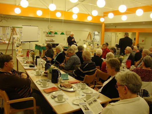 Omkring 50 var mødt frem for at deltage i generalforsamlingen. Foto: FP