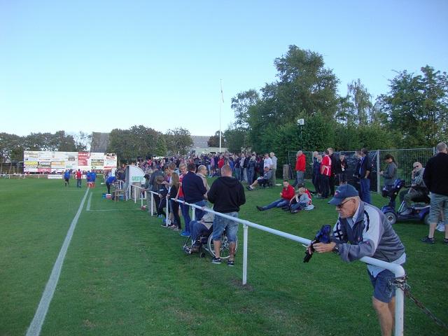 Et udsnit af de mange tilskuere (700) - mange var fra Slagelse.  Foto: FP
