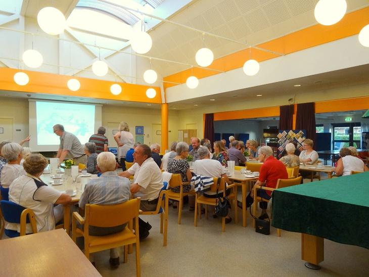 Alt er ved at være klar til Pernilles foredrag. Foto: F.P.