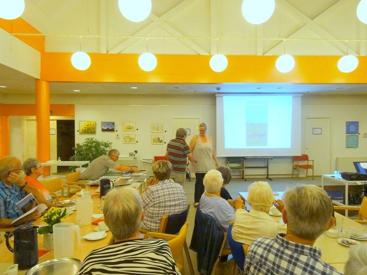Jens Weinreich takker Pernille for det flotte og spændende foredrag. Foto: F.P.