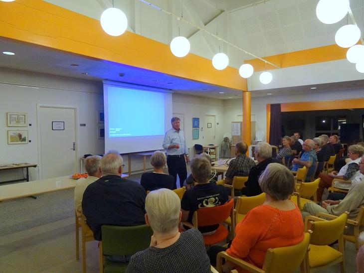 Afslutningsvis var der mulighed for at stille spørgsmål til Sepp Piontek Foto: F.P.