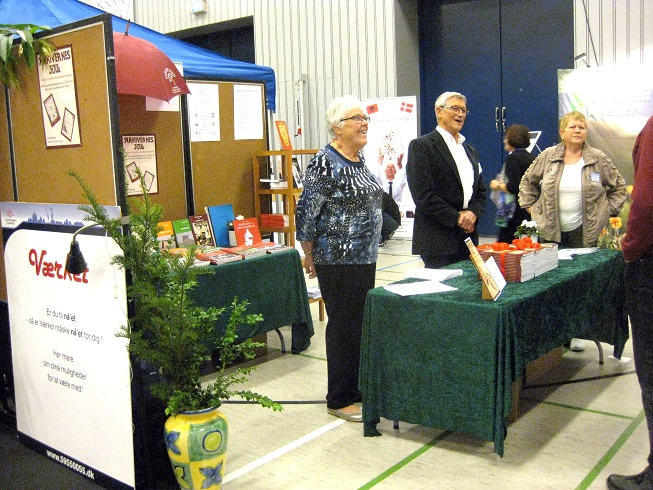 Formand for Paraplyen, Anne Christensen, arkivleder i Hvidebæk lokalarkiv Jens Birk Kristoffersen, Tove Tieldow fra Høng og Jens Jakob Gross fra Kalundborg længst til højre. Foto: Inga Jensen