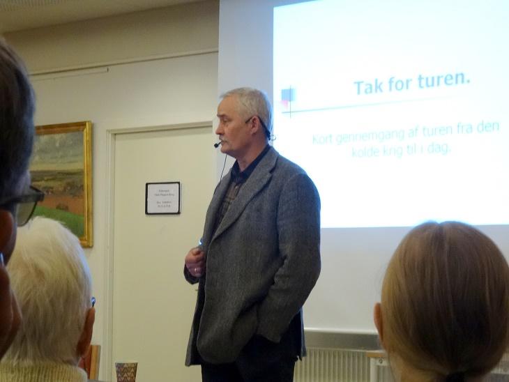 Lars R. Møller godt i gang med sit foredrag. Foto: F.P.