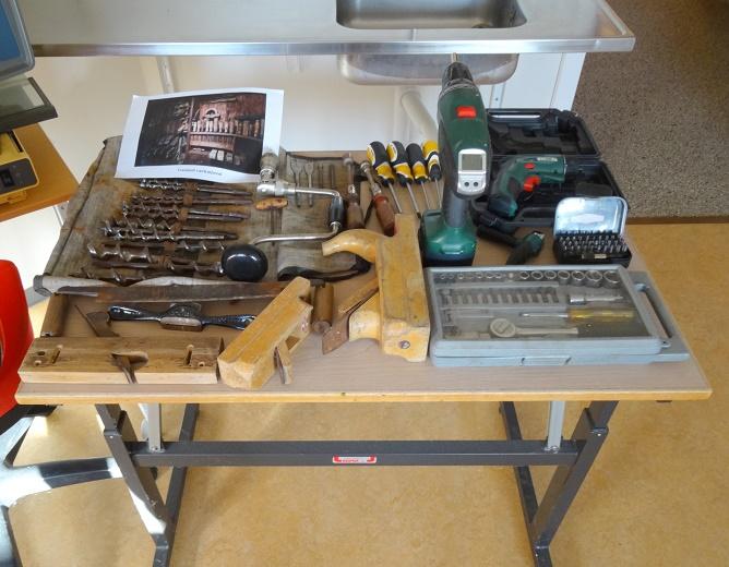 Der var både nyt og gammelt værktøj. Foto: F.P.