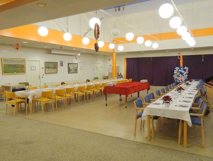 Der var gjort meget ud af borddækningen, der præsenterede sig flot i Svebølle Aktivitetscenters smukke cafélokale. Foto: F.P.