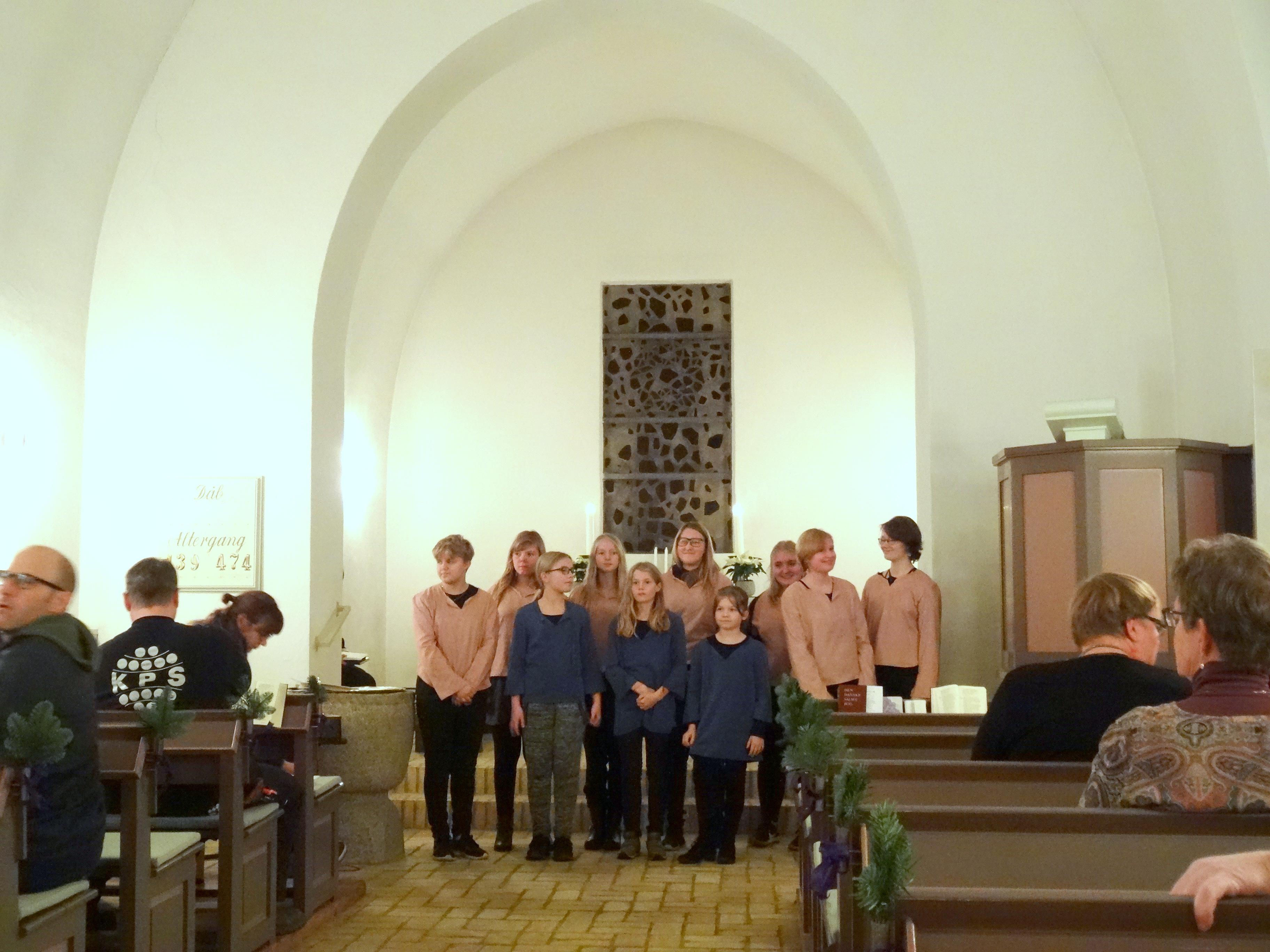 Bregninge-Bjergsted Børne- og ungdomskor medvirkede på smukkeste vis under ledelse af Heidi Montan Foto: F.P.